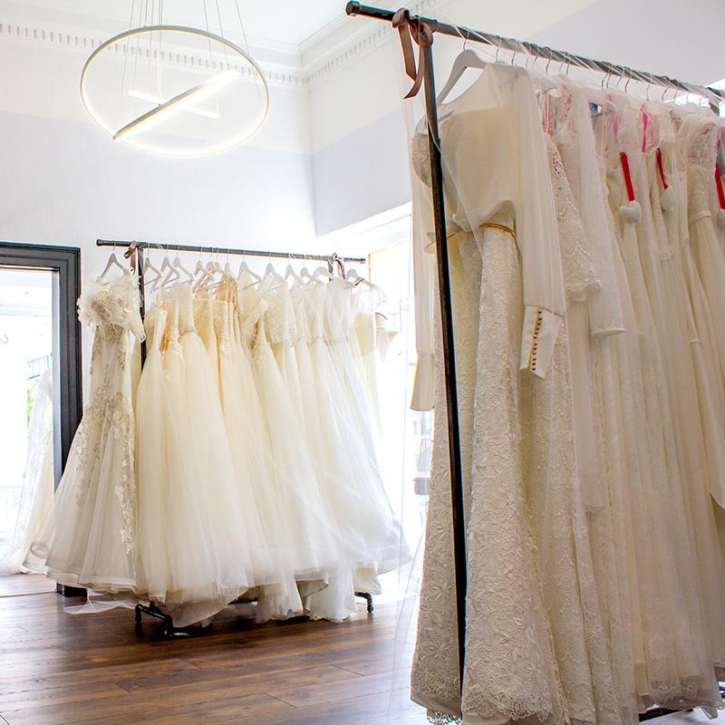 Schleier Schleppe Hochzeitskleider Fur Braute In Landau In Der Pfalz